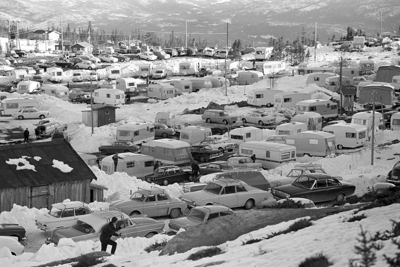 Campingparkering på Tempelseter, Sigdal, Buskerud, 1968