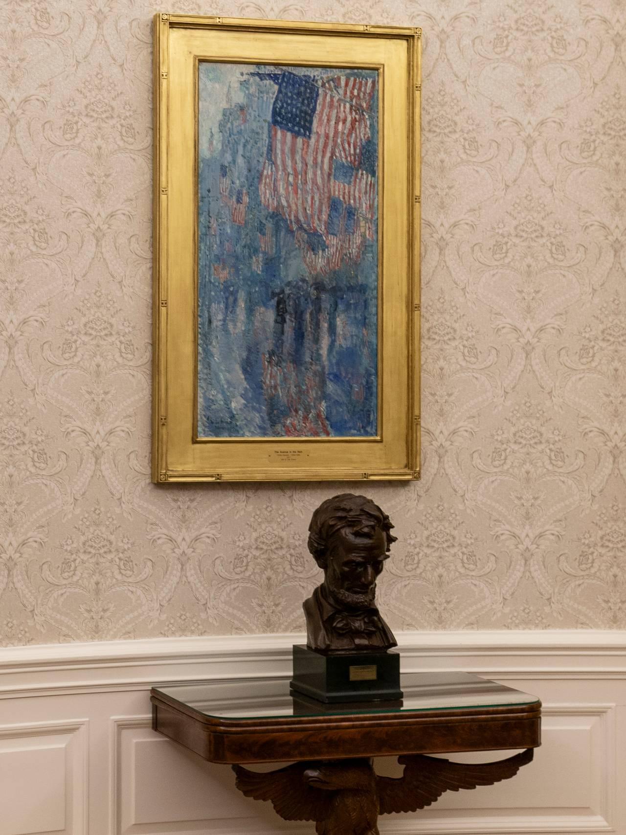 Statue av president Abraham Lincoln i Det ovale kontor i Det hvite hus.