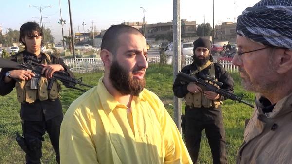 Første journalist på innsiden av IS
