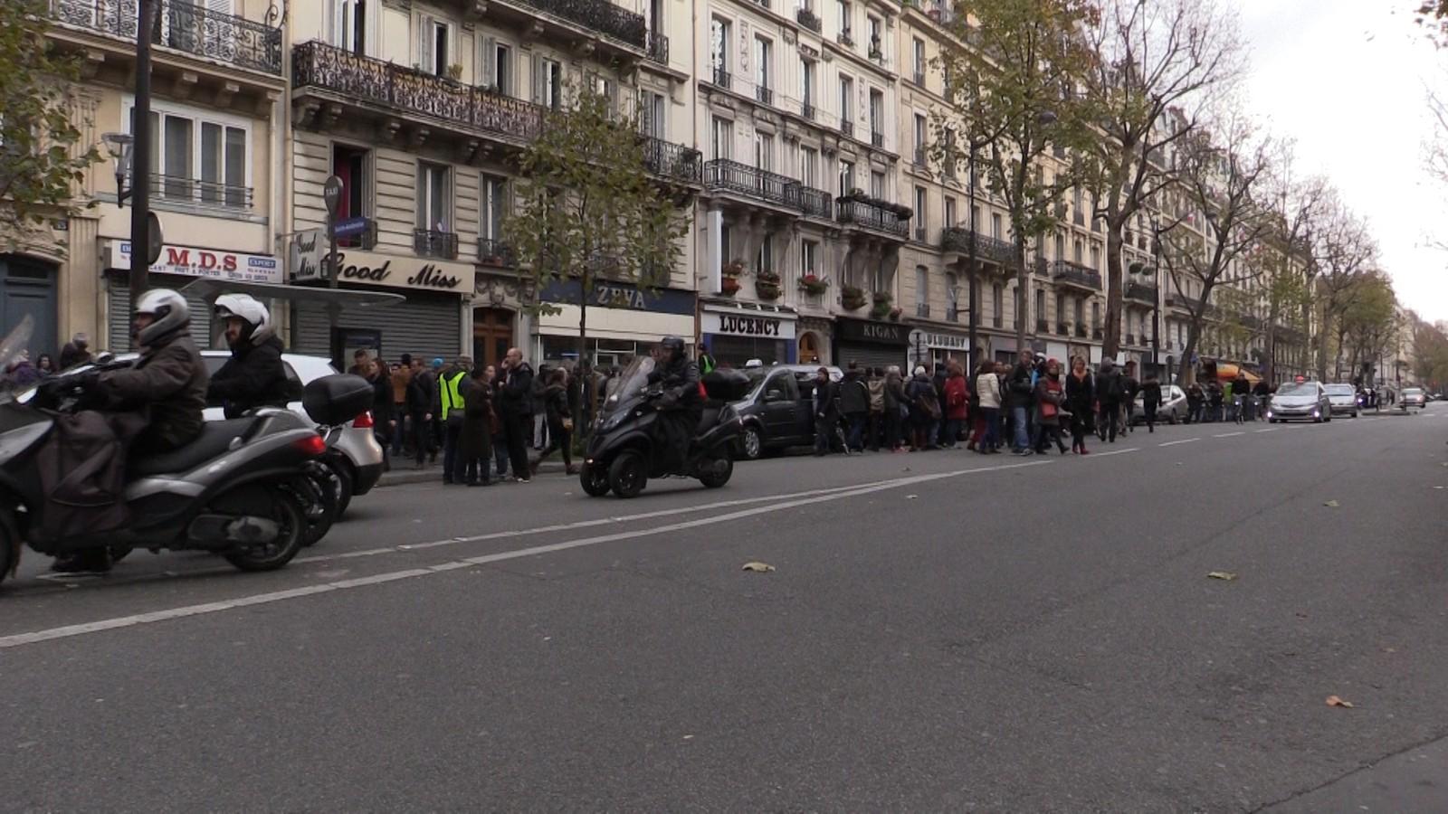 Demonstrasjoner er ulovlig under klimakonferansen etter terrorangrepene i Paris. Men demonstrasjoner ble det likevel.