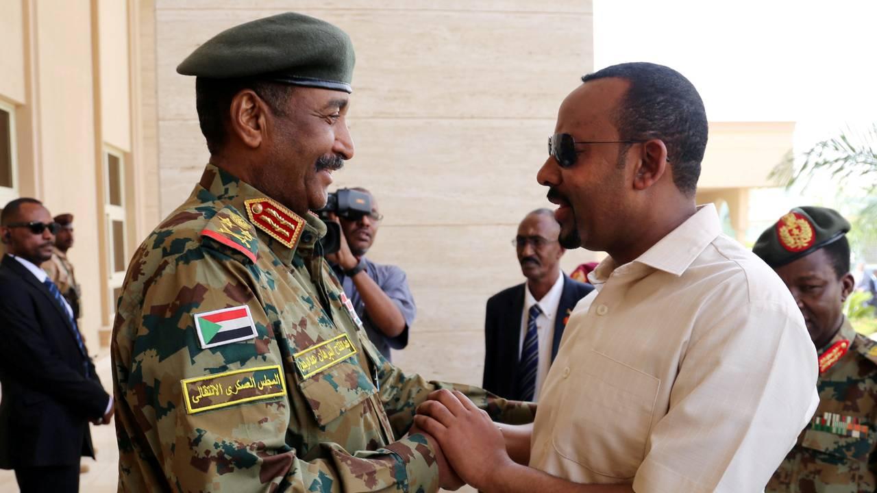 Etiopias statsminister Abiy Ahmed og det militære overgangsrådet i Sudan, general Abdel Fattah Al-Burhan Abdelrahman