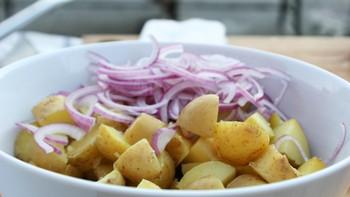Poteter og rødløk