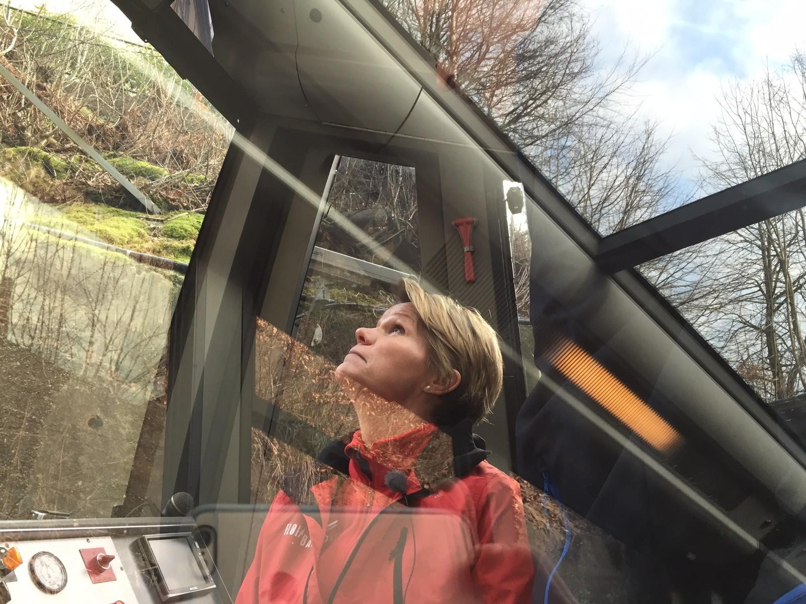 OPPTUR: – Turen oppover blir mer spektakulær jo høyere du kommer, sier Anita Nybø.