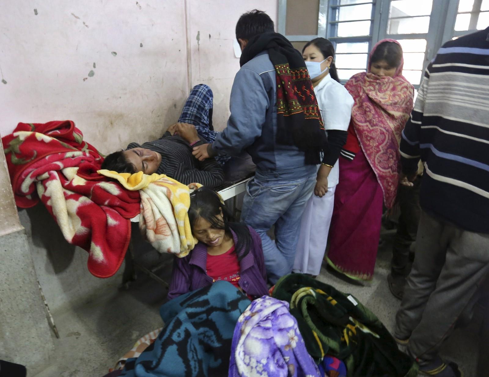 Mange menneske vart skadde då bygningar kollapsa under jordskjelvet.