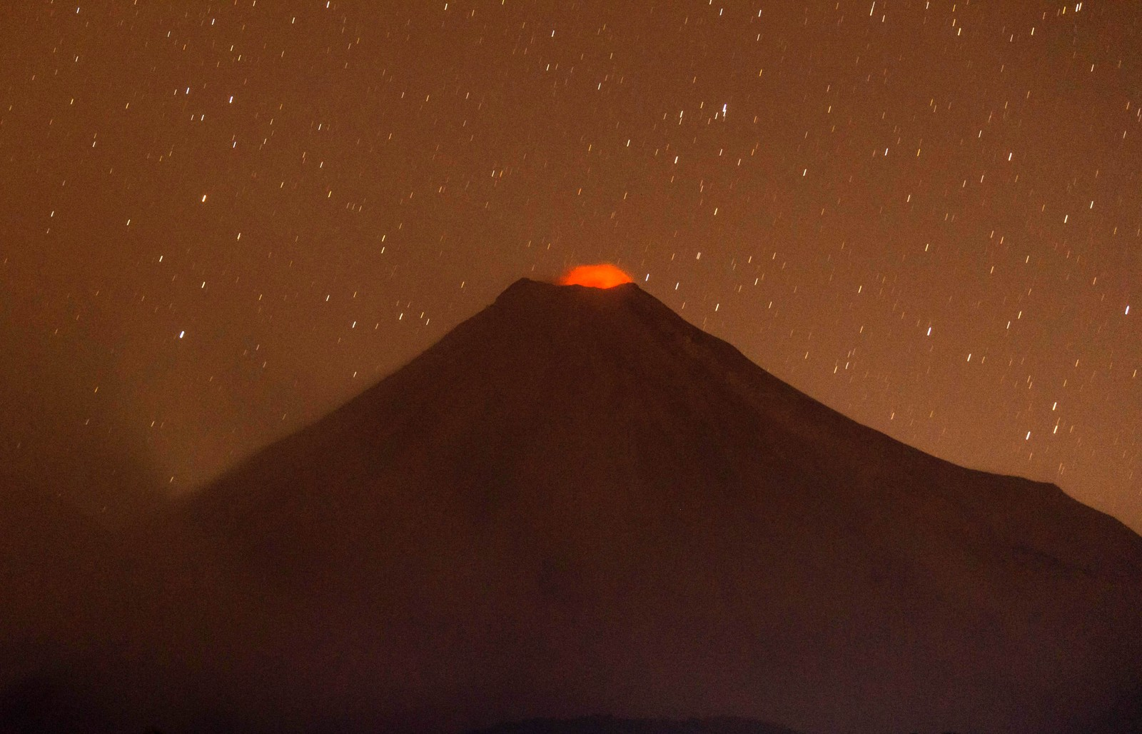 Vulkanen Colima, også kjent som volcán de fuego (ildvulkanen), er den mest aktive vulkanen i Mexico.