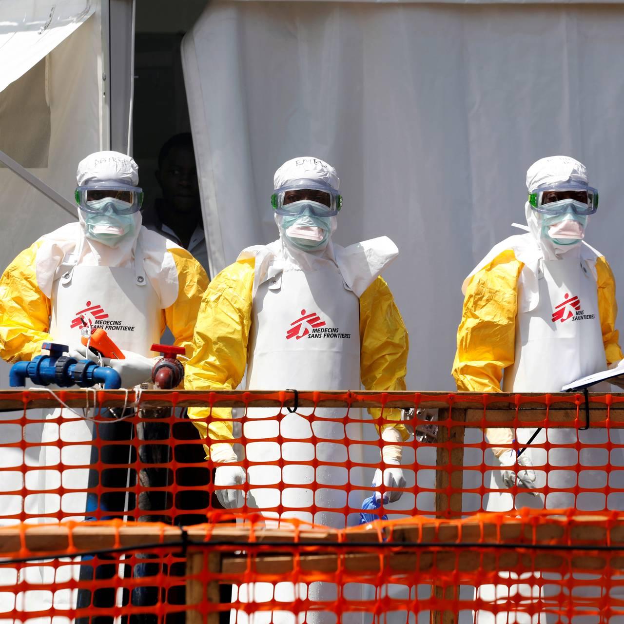 Helsearbeidere i Kongo som bekjemper ebola må ha beskyttelsesdrakter