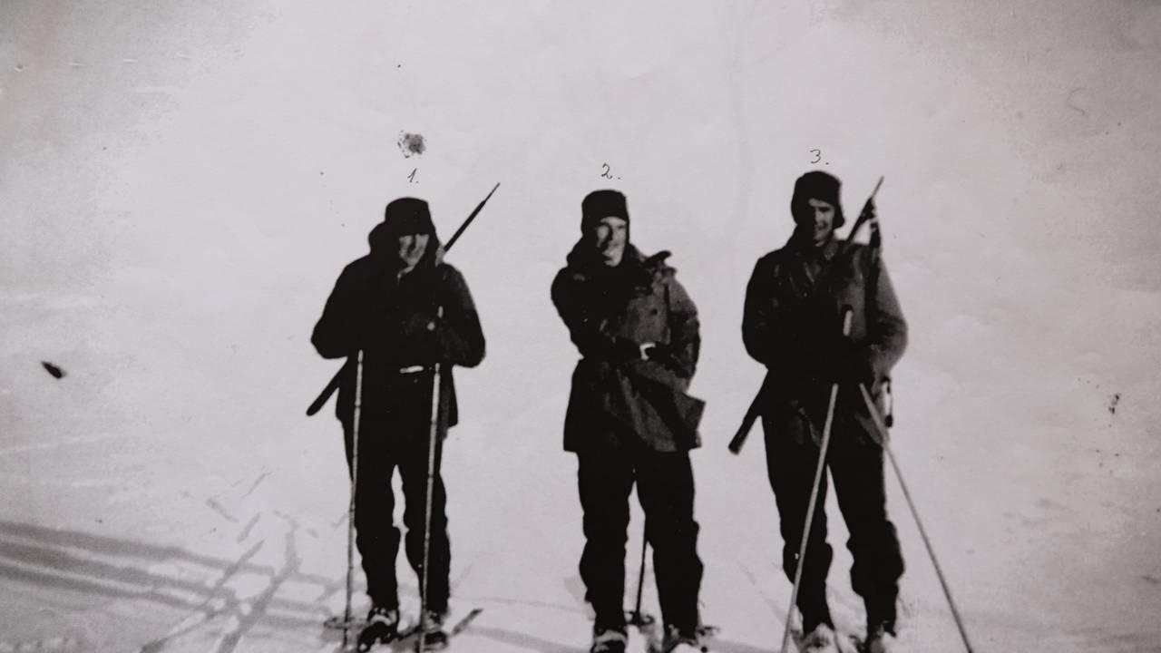 Eystein Røset i midten, Olav Løset fra Rindal til venstre og Agnar Sjøvoll fra Røros til høyre