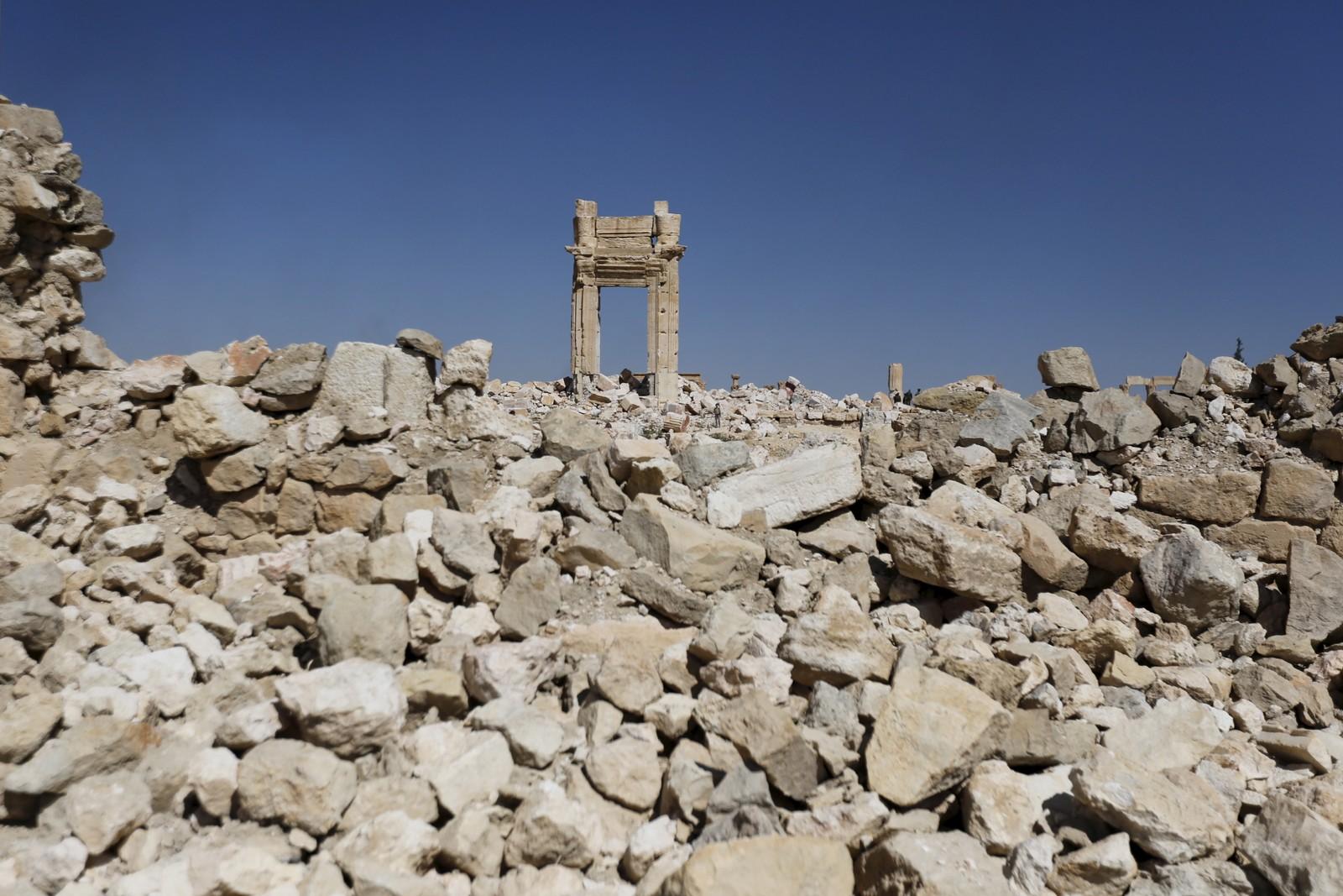 Store steinhauger er de gjenværende restene etter Bel-tempelet i UNESCO-byen.