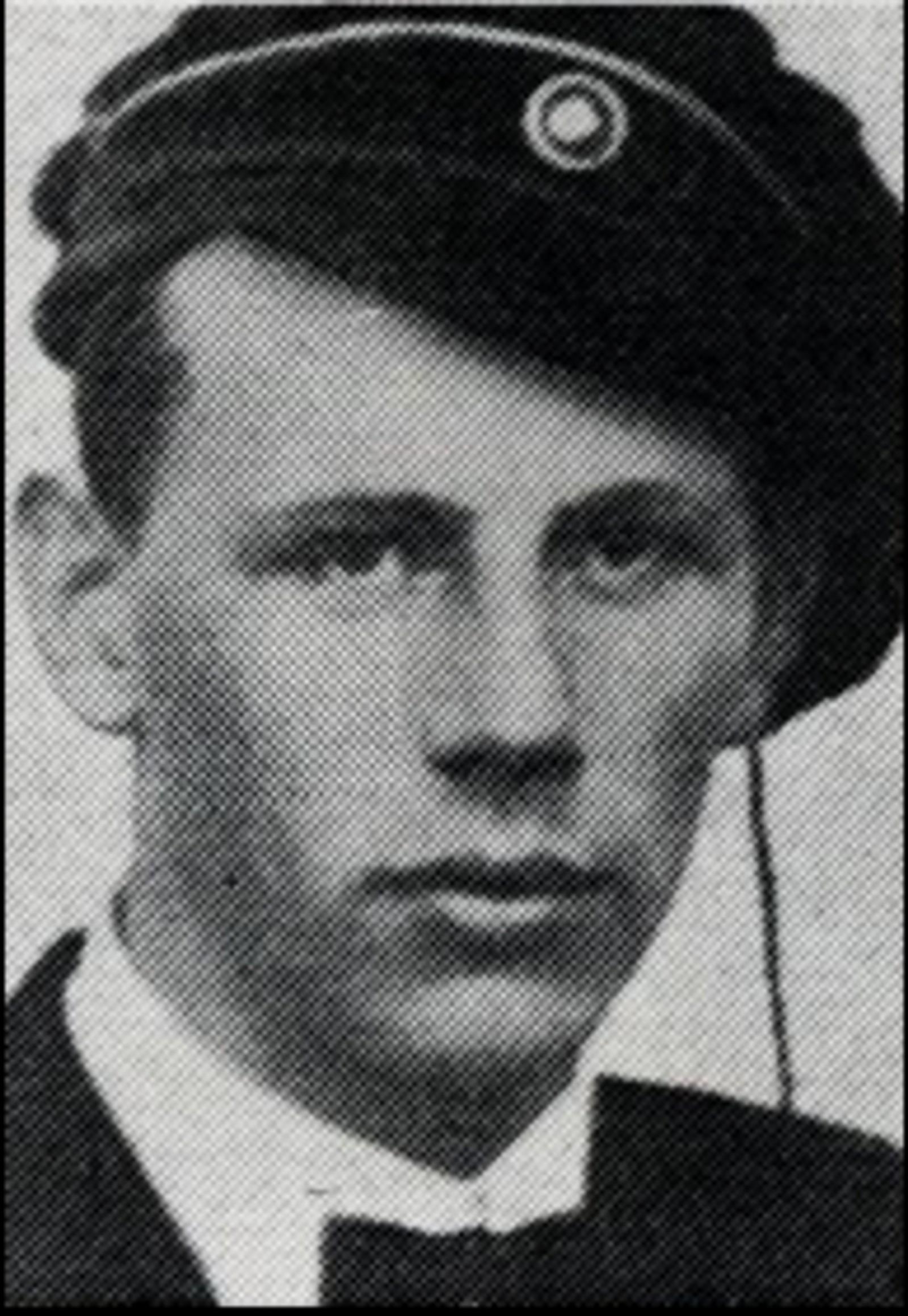 Henry Ness: : Sersjant ved luftvernet i Oslo. Dro til Terningmoen 9.april for å slutte seg til styrkene der. Omkom under bombeangrepet 11.april.