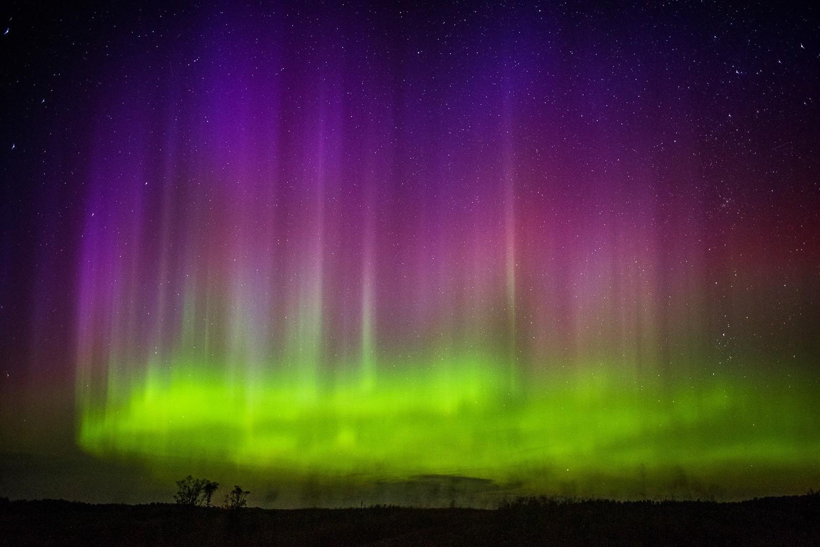 Vi er ikke alene om å ha nordlys. Dette vakre bildet viser himmelen over Minnesota i USA denne uka.