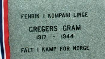 Byste av Gregers Gram utenfor Njårdhallen i Oslo