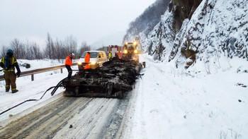 27 tonn brunost brant opp i Brattlitunnelen i Tysfjord