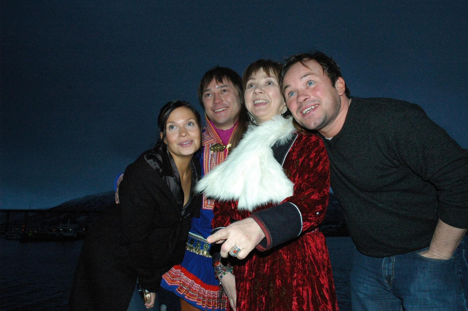 Mari Boine bidro med filmmusikk til filmen «Kautokeinoopprøret» av Nils Gaup. Filmen hadde premiere i 2008. Her med tre av filmens skuespillere; Anni-Kristiina Juuso, Asllat Máhtte Gaup og Mikkel Gaup.