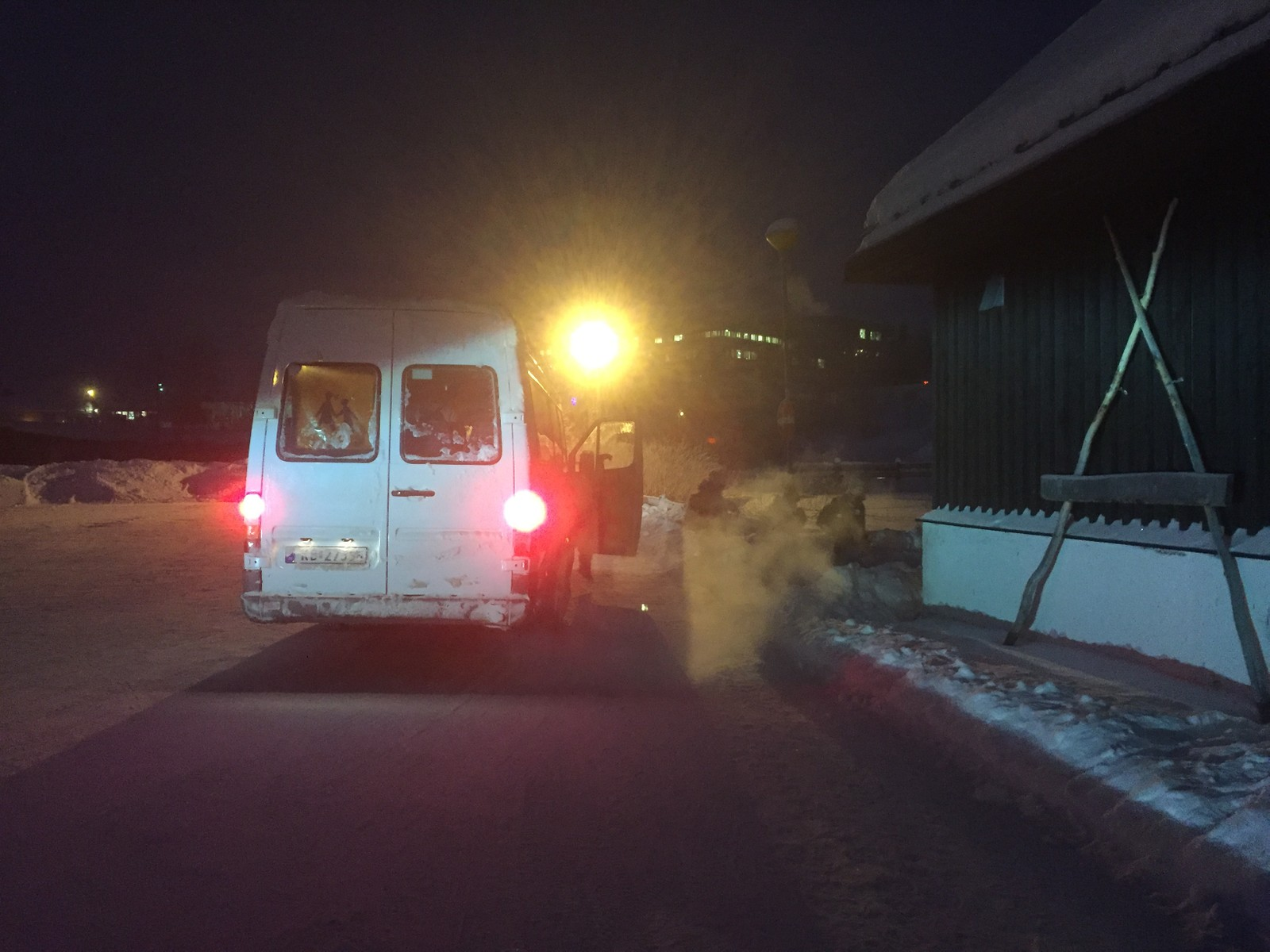 Skolebuss i sprengkulde i Kautokeino.