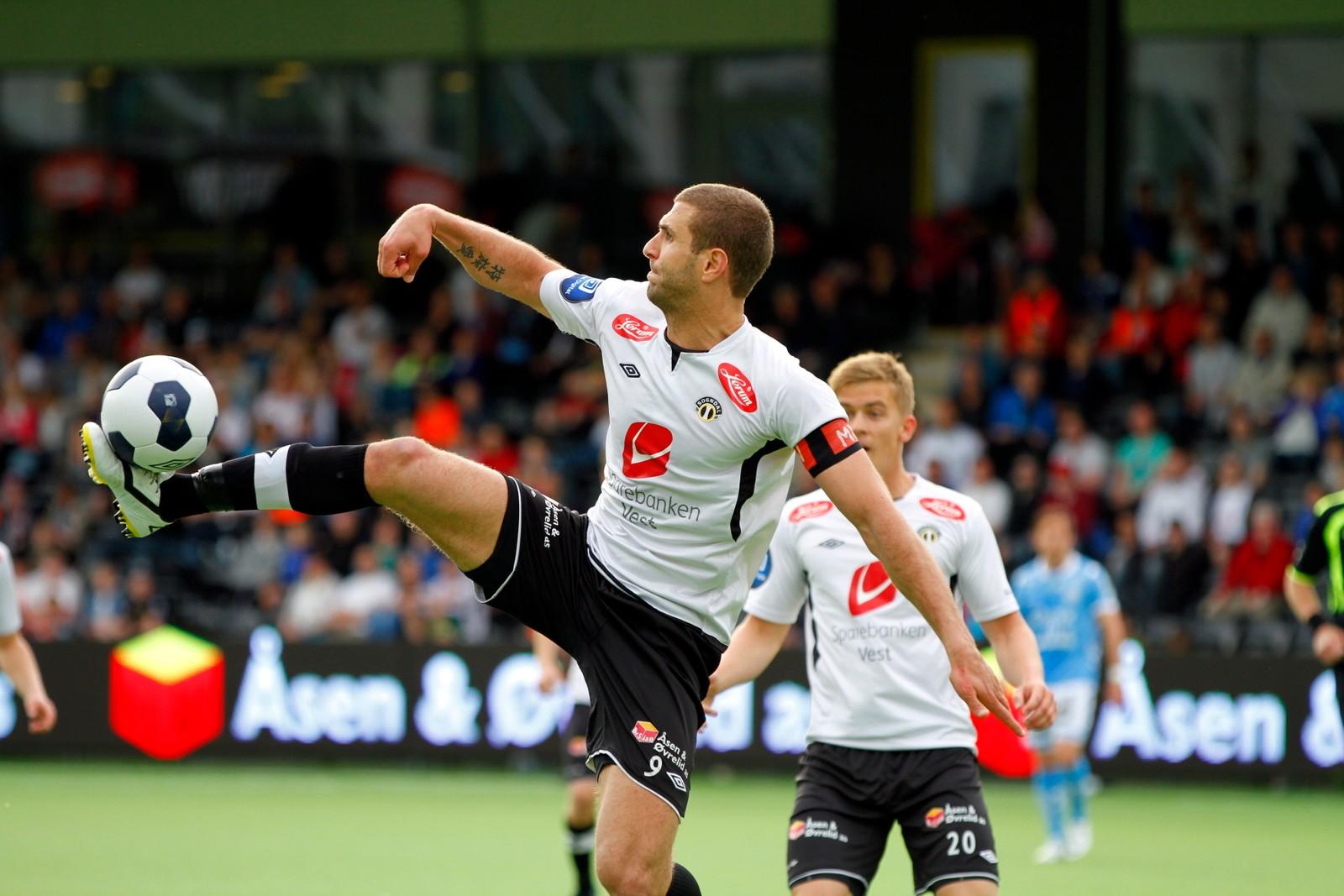 Karadas spilte også for Sogndal i hjemfylket, da Brann ikke ville gi ham kontrakt.