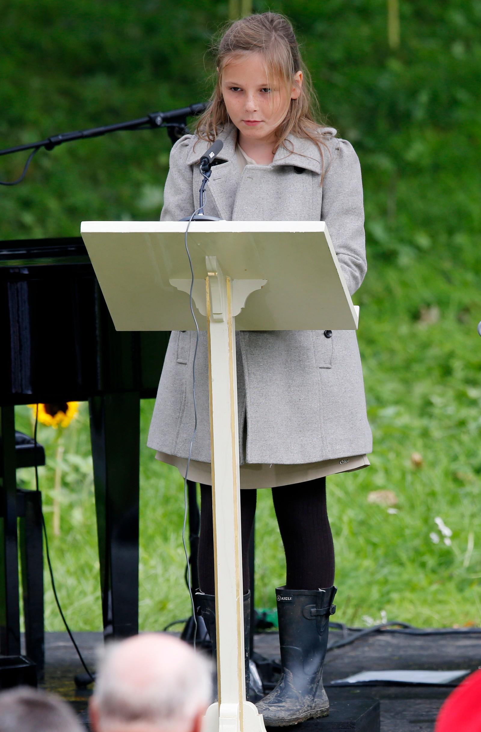 MAMMA FYLLER 40: Prinsessa las Frans av Asisis bøn under friluftsgudstenesta i dronningparken i samband med kronprinsesse Mette-Marits 40 årsdag.