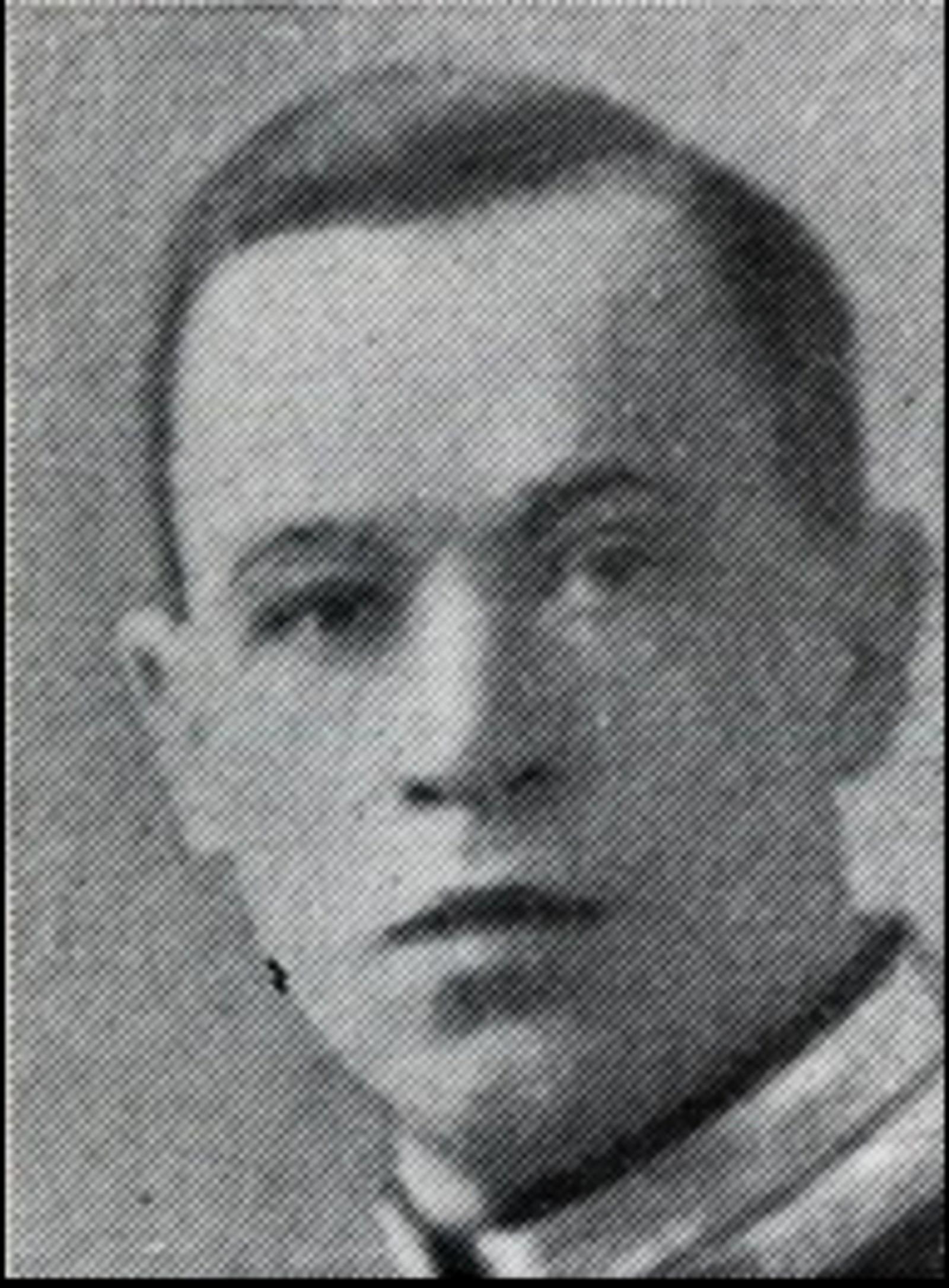Bjarne Henry Lund: Løytnant, bodde på Mysen. Falt 11.april på Terningmoen, truffet av en bombesplint.