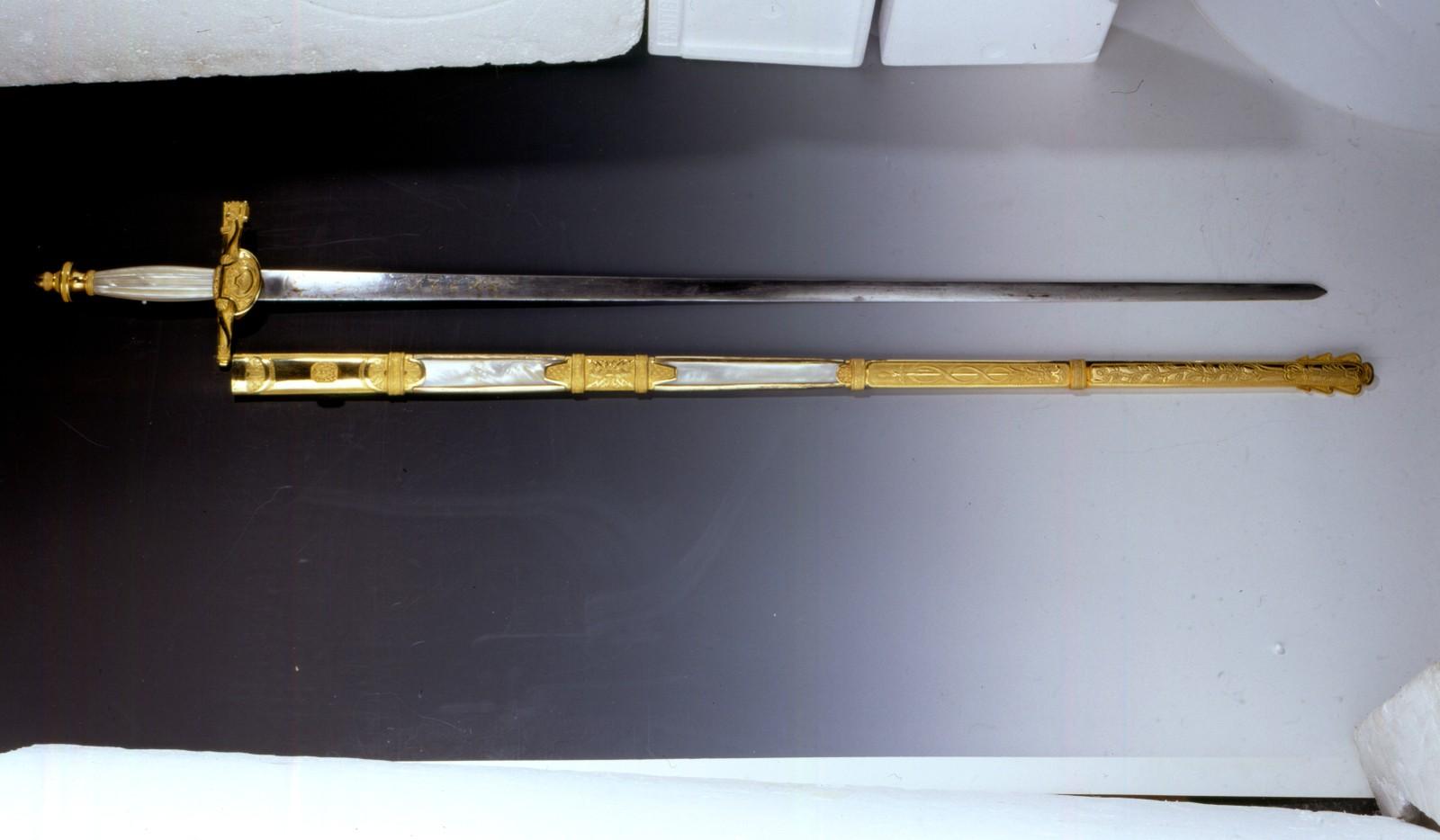 Rikssverdet - fra 1818, men bearbeidet av Carl Johans sverd fra sin tid som fransk marskalk - Jean Baptiste Bernadotte