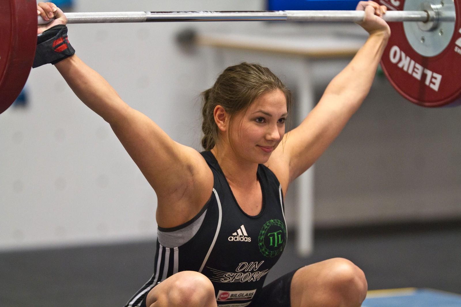 Sandra Trædal løfta 70kilo i rykk og 85 kilo i støt. Det gav henne 4. plassen i Norgescupstemnet.