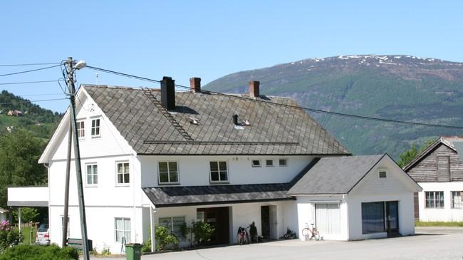 Tidlegare A.O. Sunde i Olden. Foto: Ottar Starheim, NRK.