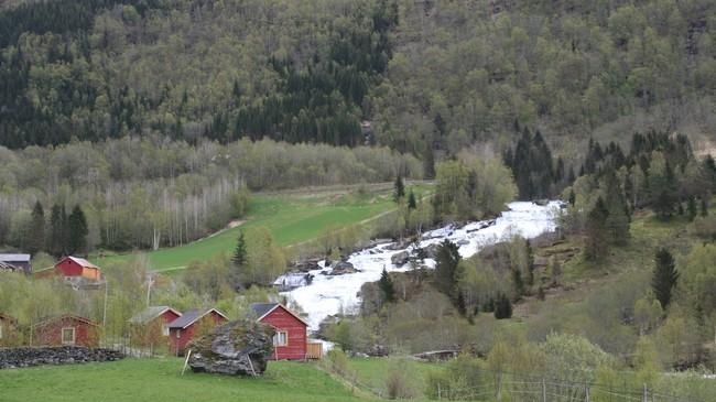 Vallestadfossen er eitt av mange vassfall i Gaularvassdraget. Foto: Ottar Starheim, NRK.