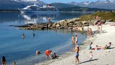 Det kan bli ekstra folksomt i Telegrafbukta i Tromsø og på andre utfartssteder til uka dersom langtidsvarselet slår til.
