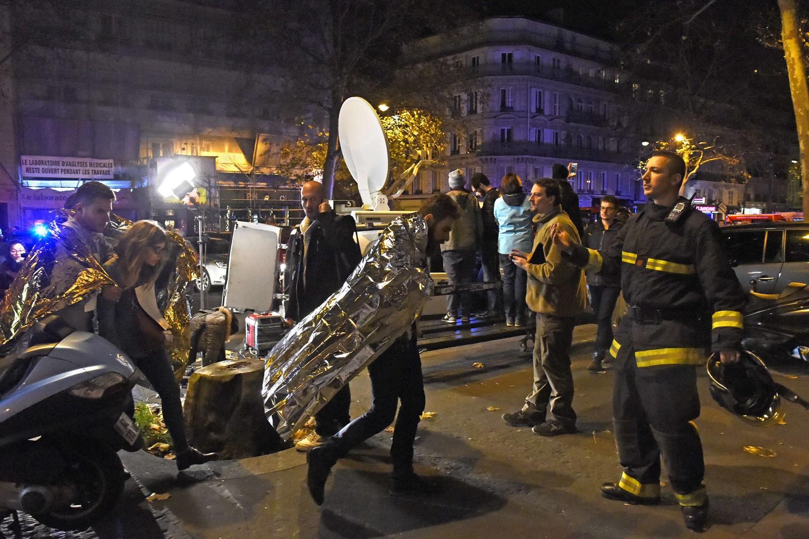 – HOLLANDES SKYLD: En av angriperne skal ifølge et vitne ha sagt at angrepet var president Francois Hollandes skyld.