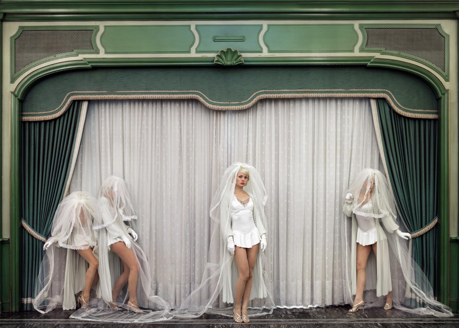"THE SHOWGIRL: Fra fotoserien ""Starlets"" (2013)."