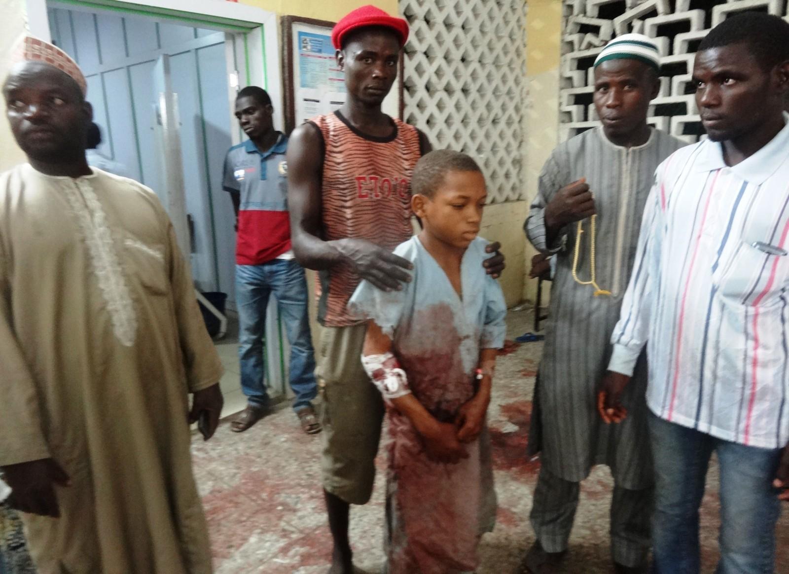 Ein gut har fått hjelp etter at han vart skadd i angrepet som skjedde då fredagsbønen skulle starte i Kano, Nigeria.