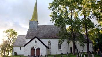 Alstadhaug kirke
