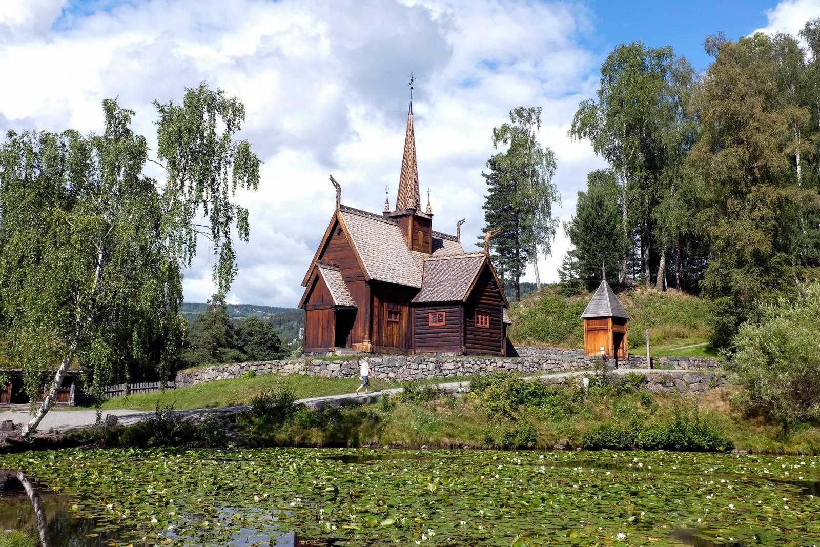Garmo stavkirke på Maihaugen friluftsmuseum. Den ble antagelig bygget på 1200 tallet.