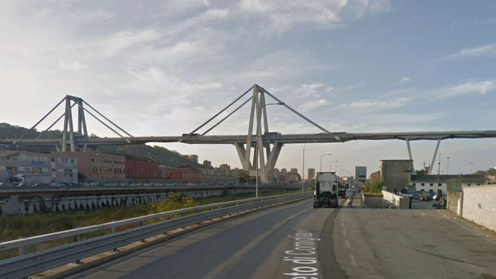Motorveibro i utkanten av Genova før den raste sammen.
