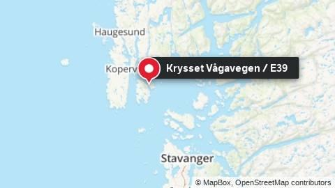 To biler har kollidert i krysset mellom Vågavegen og E39.