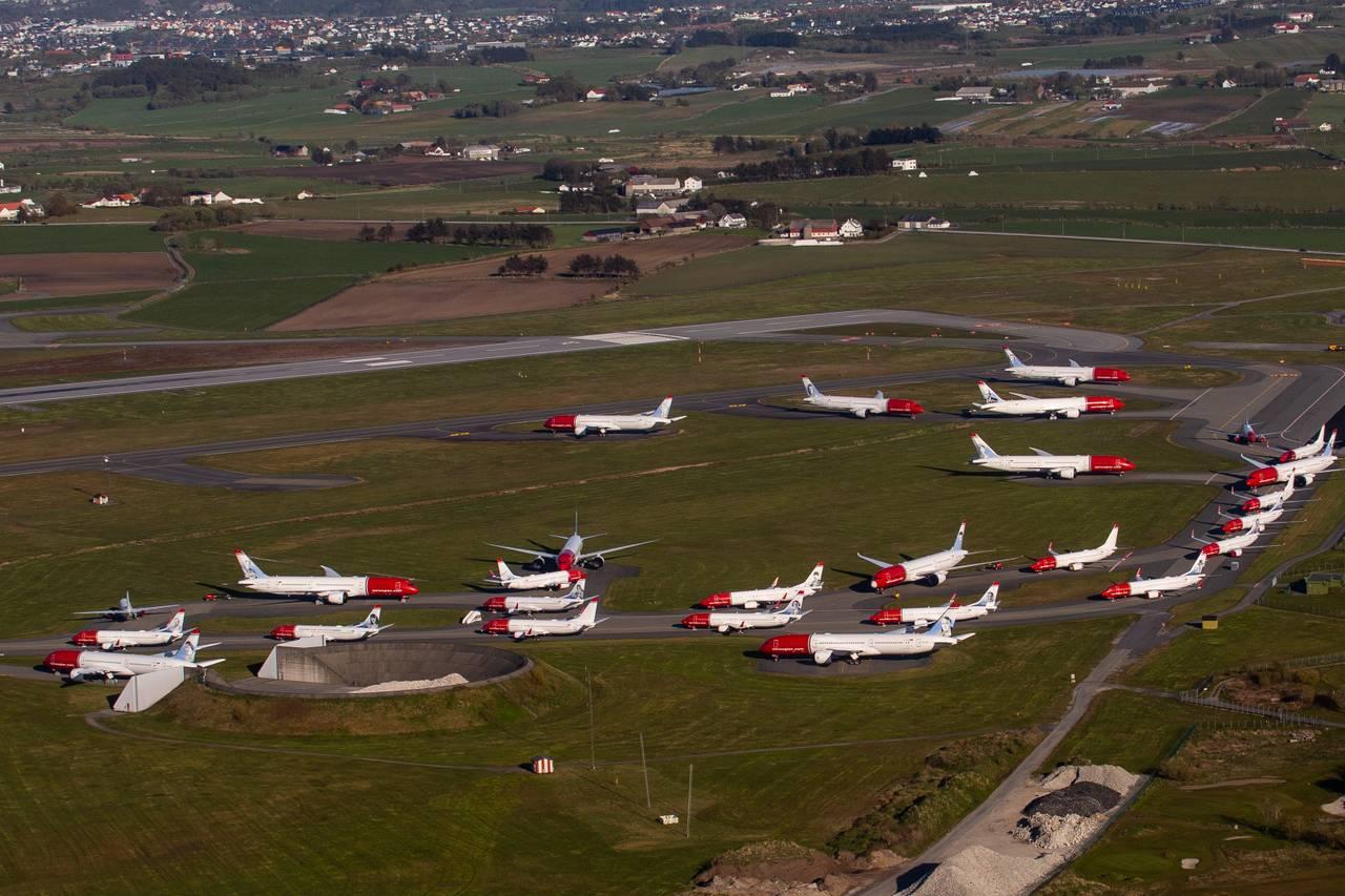 Parkerte Norwegian-fly på Stavanger lufthamn Sola