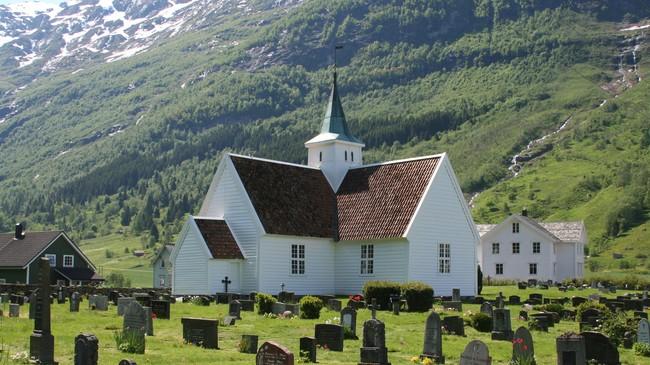 Olden gamle kyrkje. Foto: Ottar Starheim, NRK.