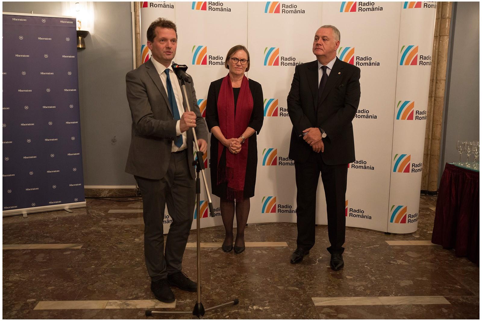 Fra venstre: Orkestersjef i KORK, Rolf Lennart Stensø, Ambassadør til Romania, Tove Bruvik Westberg og direktør for Radio Romania, Ovidiu Miculescu