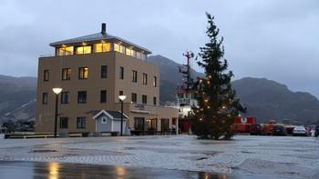 Vinden tek tak i Måløy.
