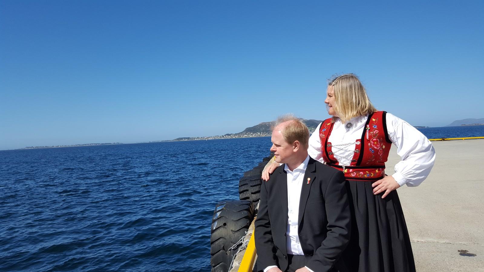 Flott utsikt i flott vær sammen med Thony Farstad og Mona-Iren Torvik.