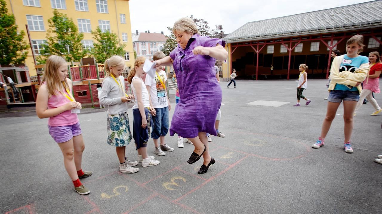 Erna Solberg hopper