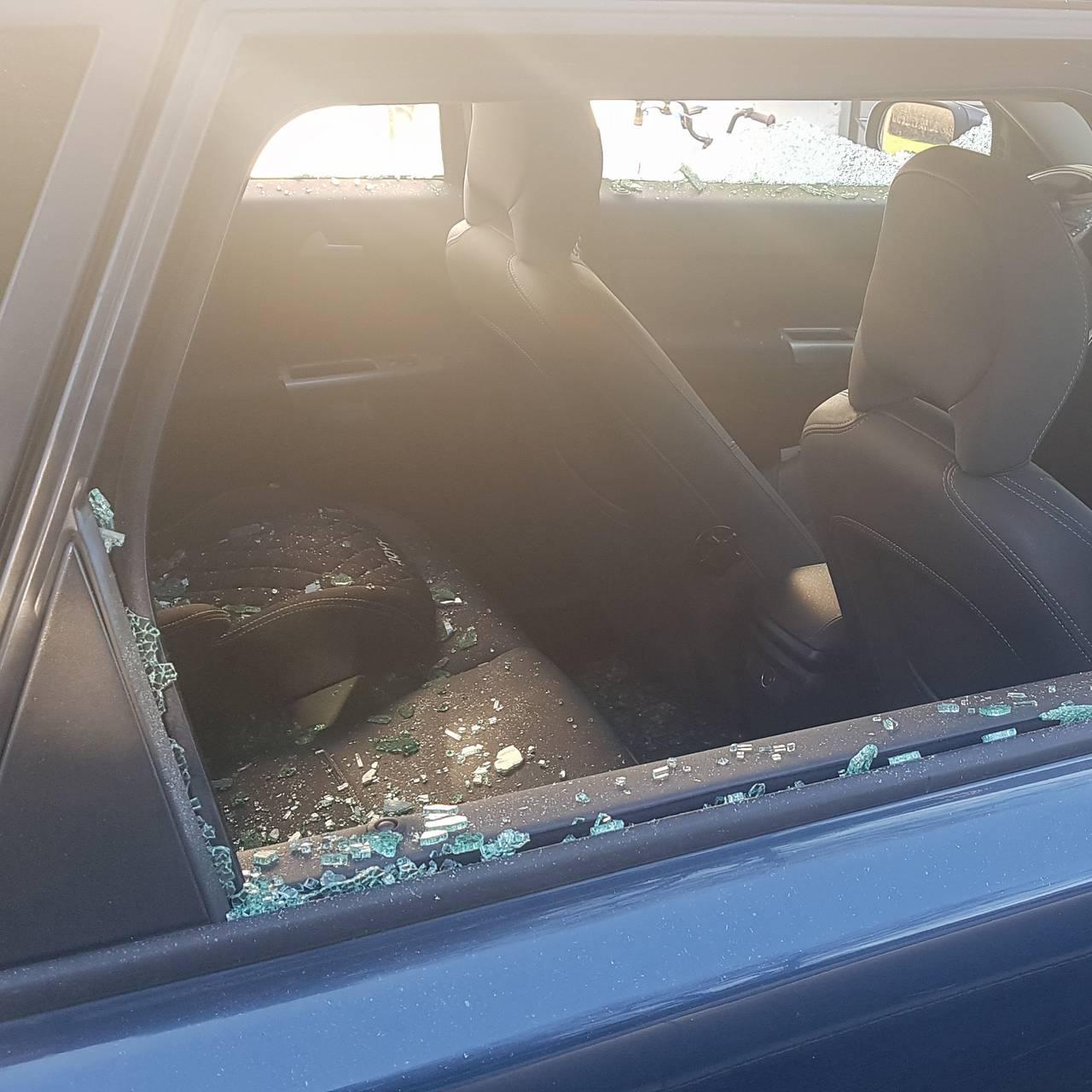 Knuste bilruter i nabolag i Porsgrunn