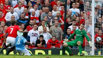 Michael Owen avgjør mot Manchester City