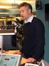 Petter Nesser i radiostudio, NRK
