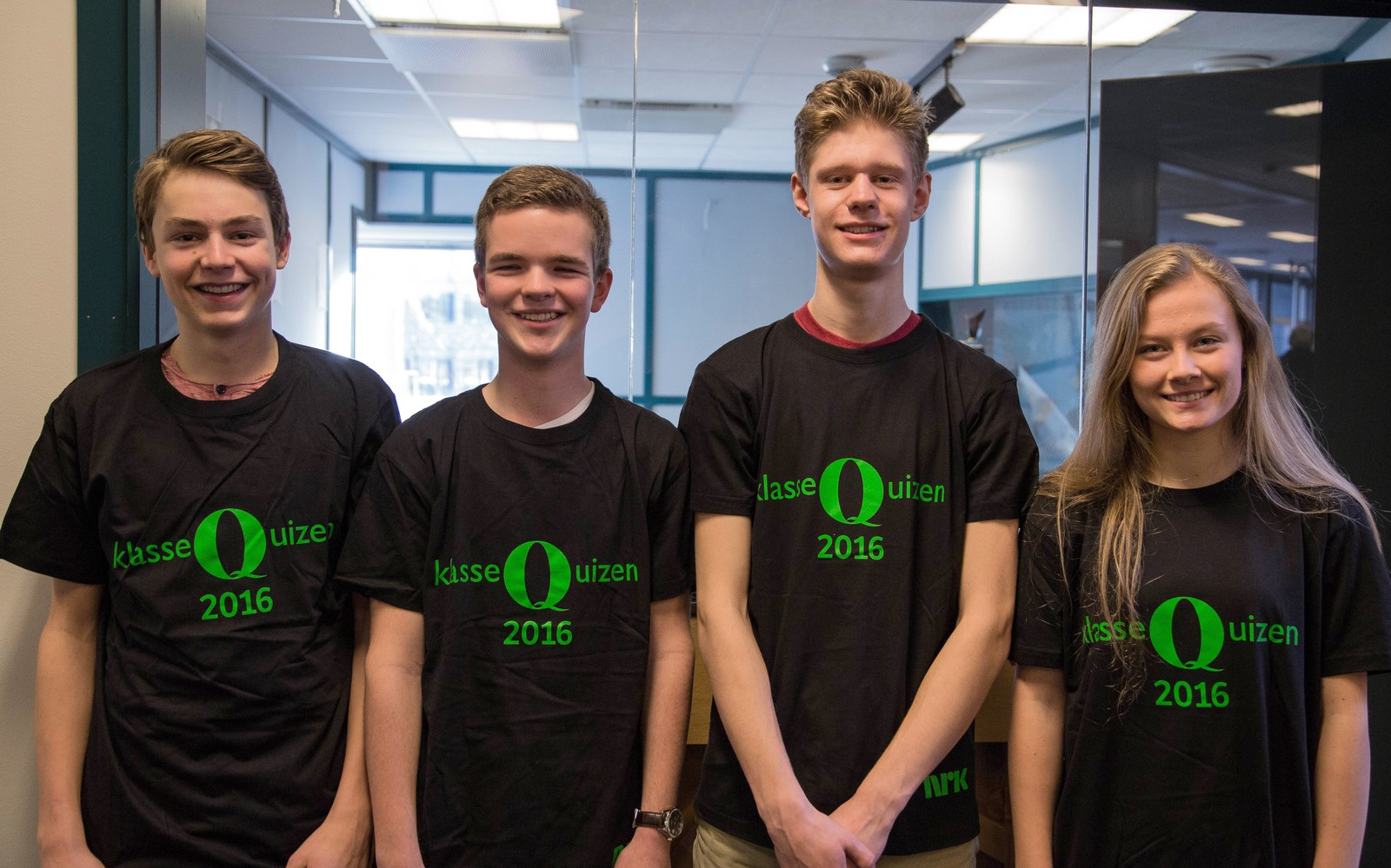 TI POENG: Gosen skole svarte riktig på ti av tolv spørsmål. Laget bestod av Benjamin Fossan, Hans August Kårvik og Elise Lilletvedt Årsland.