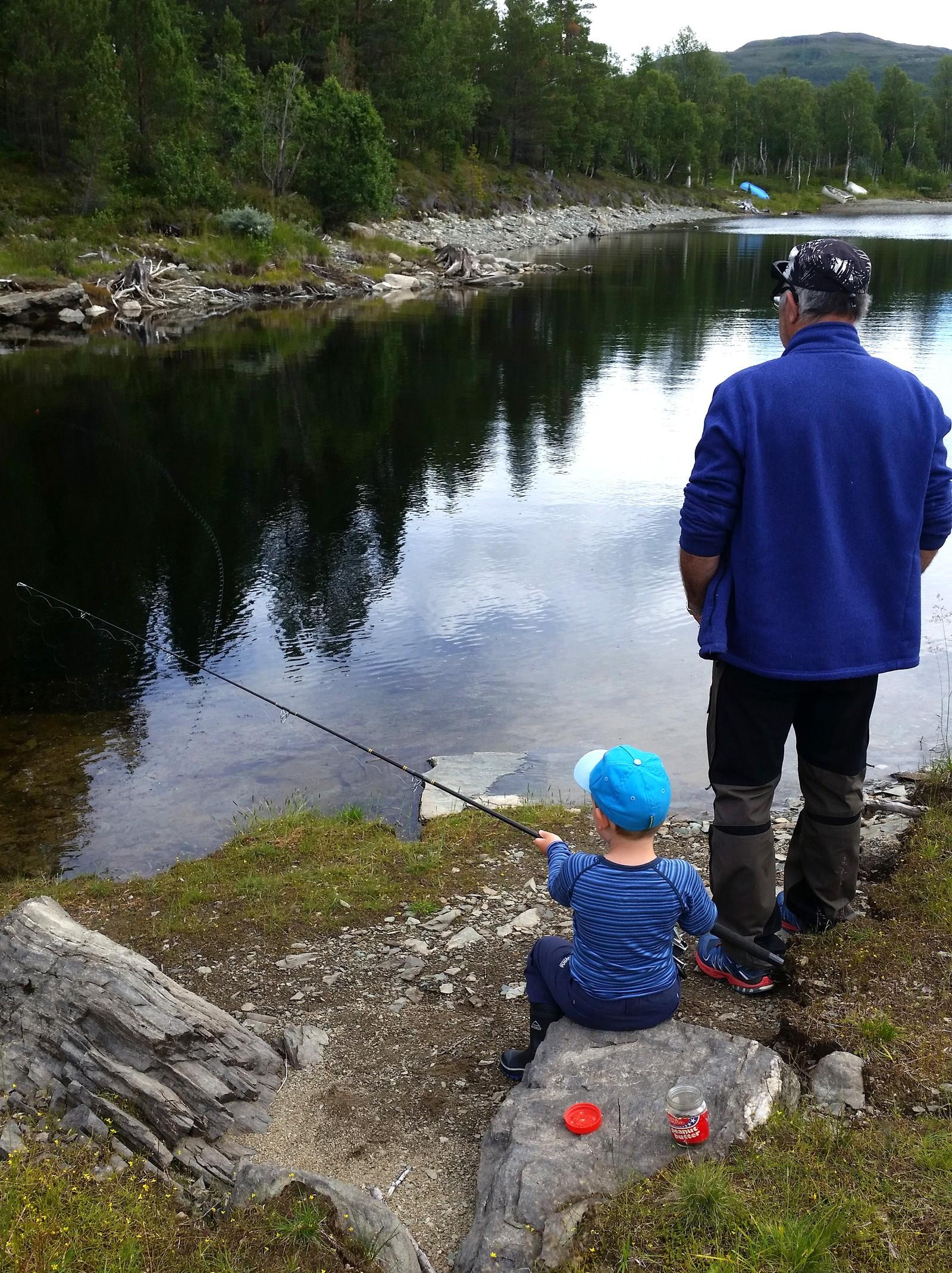 Med bestefar på fisketur