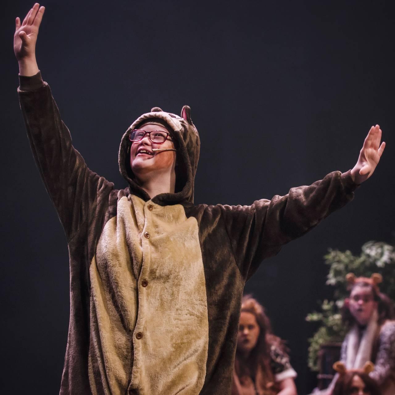Bentine spiller rollen som Timon i Løvenes konge