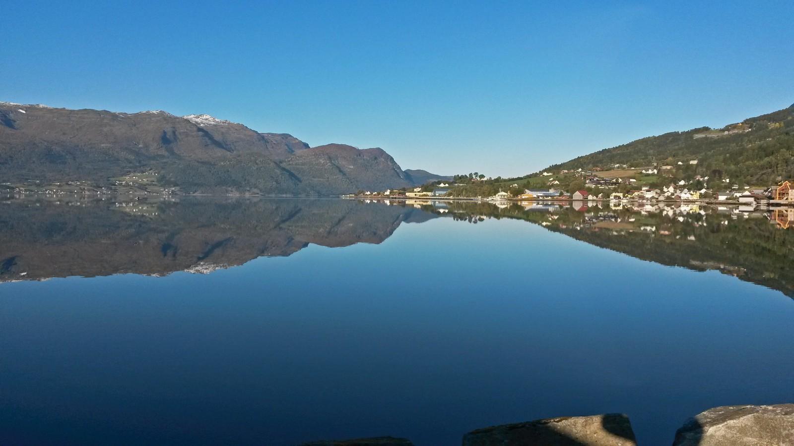 Gloppefjorden, Sandane.