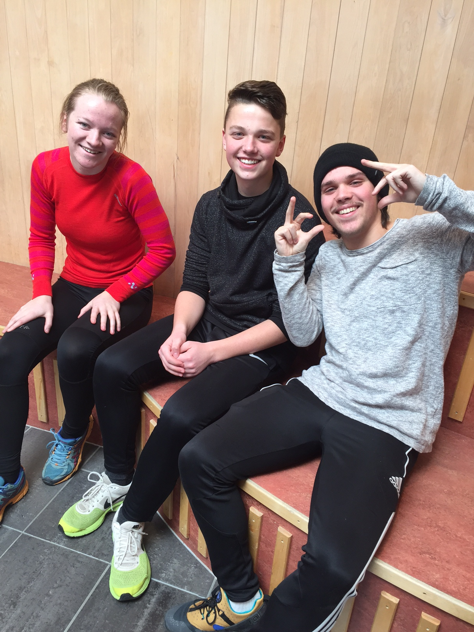 Maria Wangen, Carl Hellberg Johansen og Simon Setherberget Ruud fra Eidskog ungdomsskole fikk ni rette.