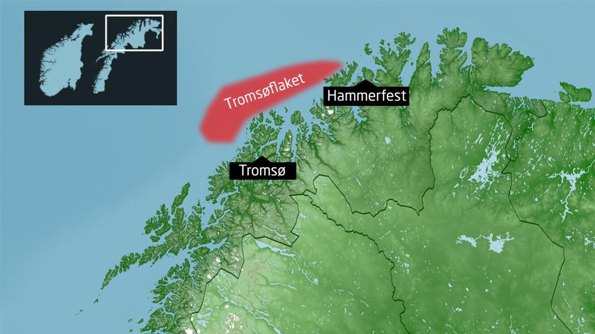 tromsøflaket kart Fiskebåt fra Tromsø havarerte   to personer reddet – NRK Troms  tromsøflaket kart