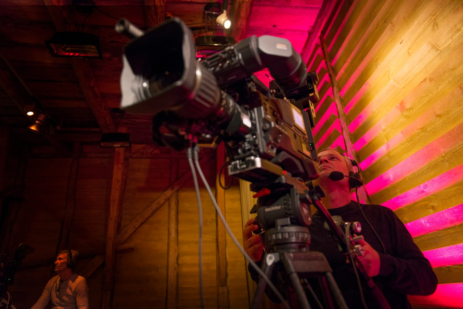 FILMING: Kamera på plass.