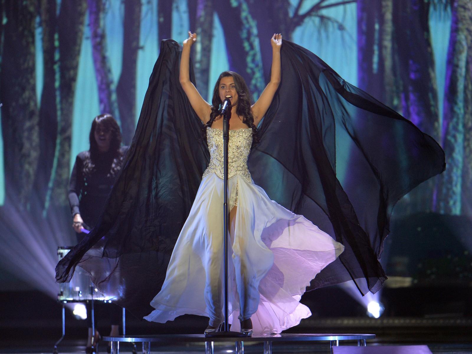 Mélanie René representerer Sveits med «Time To Shine» som artist nummer 14. Her fra onsdagens kostymeprøver.
